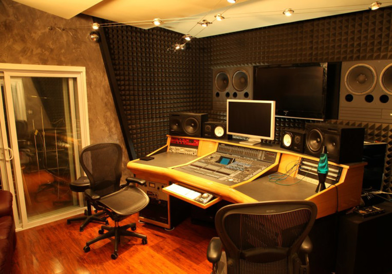 Pro Services Provided By The Online Recording Studios Atlanta In Budget!