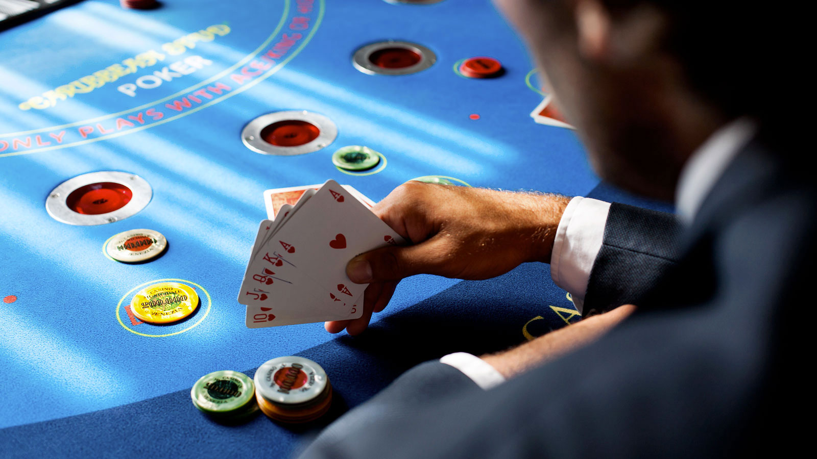 Things to have a clear understanding of poker merits