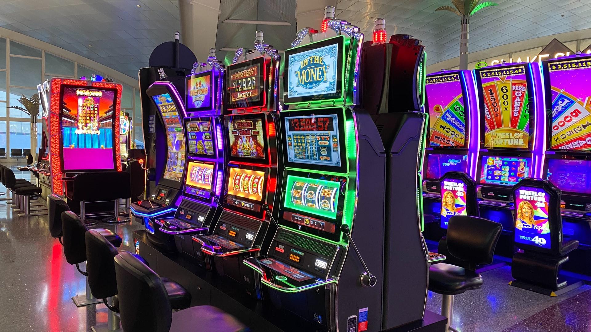 Important factors to consider when choosing an online gambling website